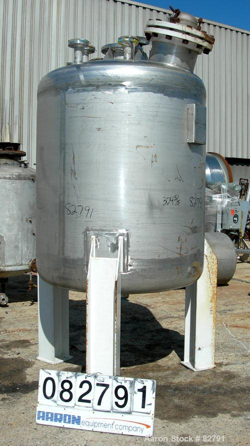 "USED: Southern Steel pressure tank, 600 gallon, 304L stainless steel, vertical. 54"" diameter x 60"" straight side. Dished top..."