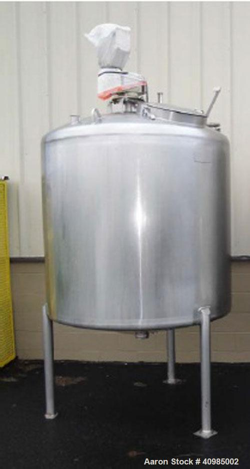 "Used-Walker 304 Stainless Steel 500 Gallon Dual Agitation Tank, Model M1X Sp-18689-C. Built 1990. (1) 3"" Tri-clamp outlet. (..."