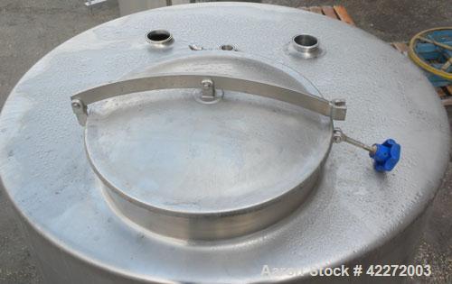 "Unused- Walker Tank, 550 Gallon, 304 Stainless Steel, Vertical. 48"" diameter x 70"" straight side. Flat top, sloped bottom. (..."