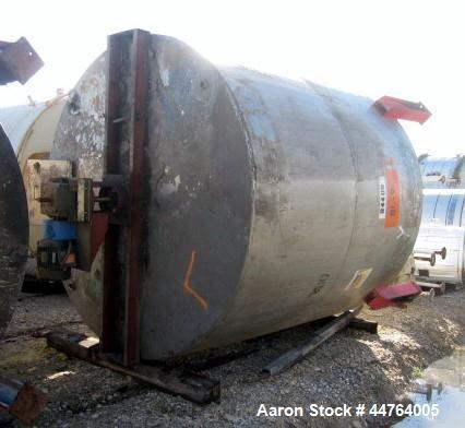 """Used- Tank, 6000 Gallon, 304 Stainless Steel, Vertical. 120"""" Diameter x 120"""" straight side, flat top, dished bottom. Top ent..."""