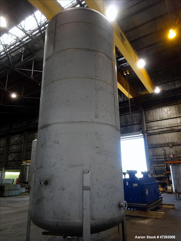 Used- 6,000 Gallon Vertical Tank