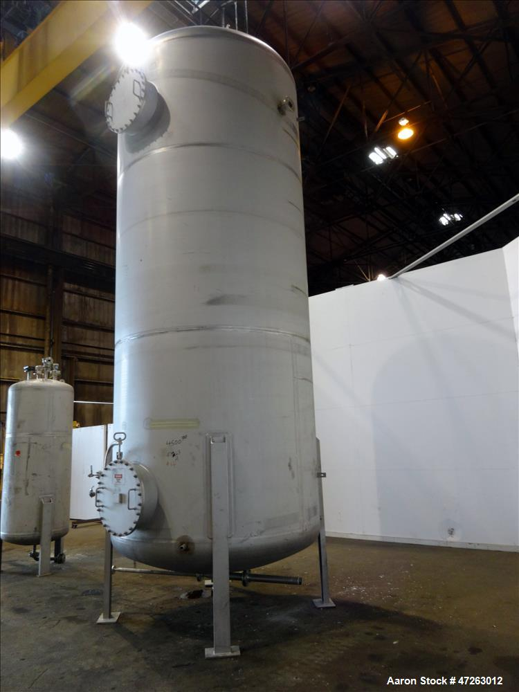 Used- 6,000 Gallon Vertical Stainless Steel Tank