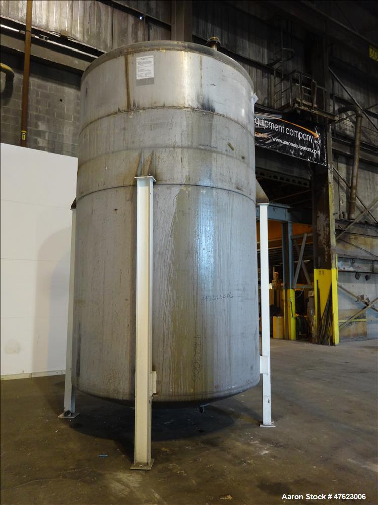 Used- Tank, Approximate 5,5000 Gallon, 304 Stainless Steel, Vertical