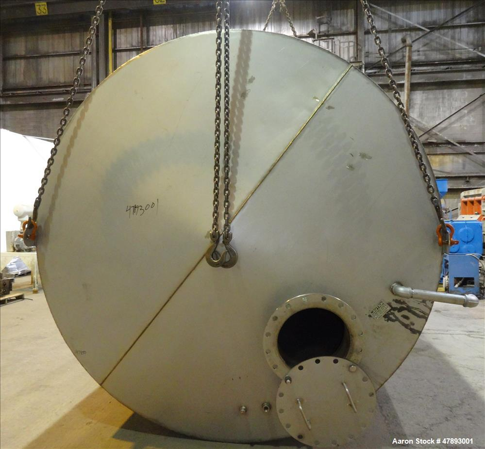 Used- Tank, Approximate 8,000 Gallon, 304 Stainless Steel, Vertical.