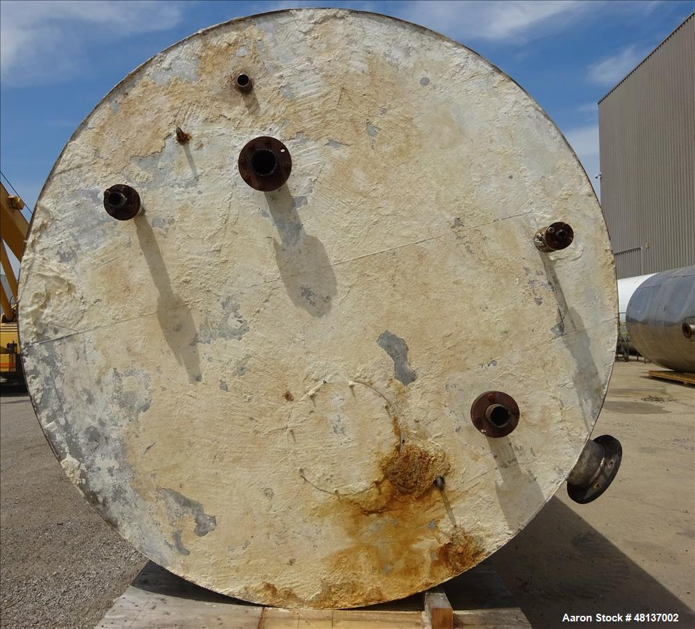 Used- Tank, Approximate 6,000 Gallon, 304 Stainless steel, Vertical