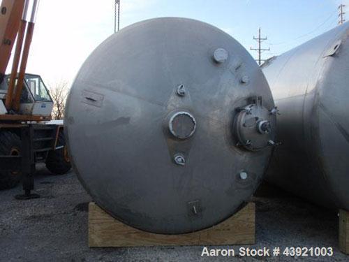"Used- 31000 liter(8190 gallon) Apache storage tank, 304 stainless steel construction, 120"" inner diameter x 149""  straight s..."