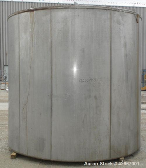 Used- Cherry-Burrell Tri-Canada Tank, 6000 Imperial Gallons (7205 U.S. Gallons), 304 Stainless Steel, Vertical. Approximatel...