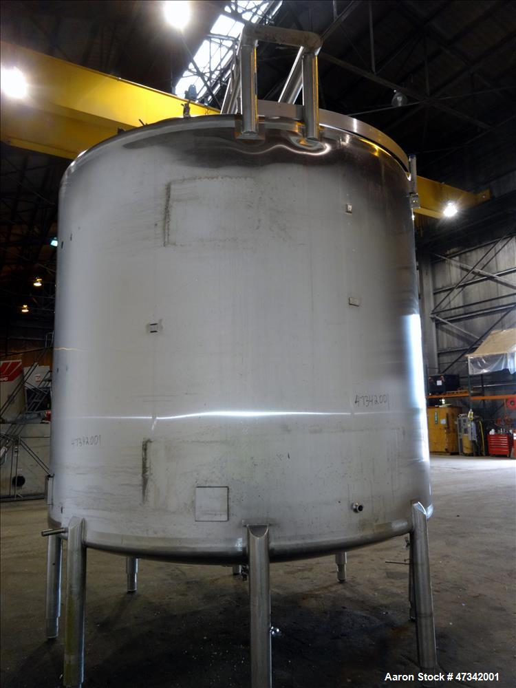 "Used- Cherry Burrell Single Shell Blend Tank, Approximate 5,000 Gallon, 316 Stainless Steel, Vertical. Approximate 120"" diam..."
