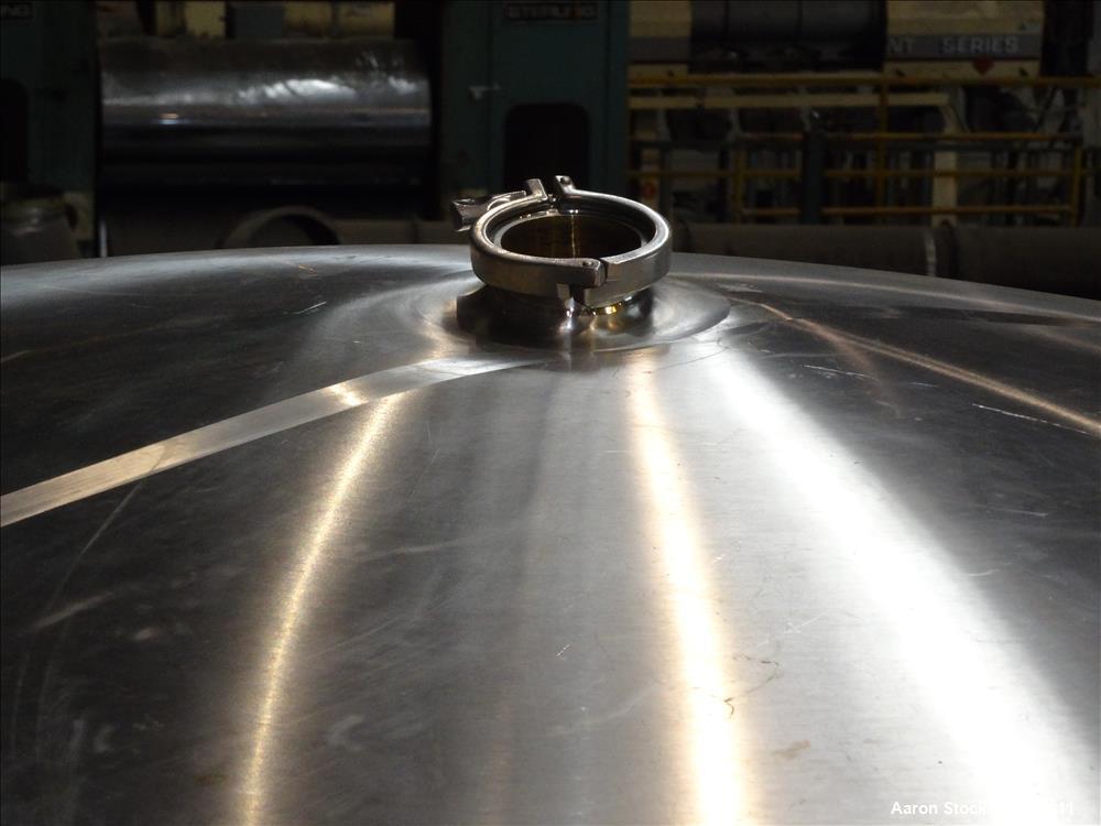 Used- Feldmeier Tank, 7944 Gallon, 304 Stainless Steel, Vertical.