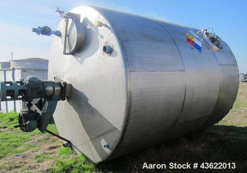 Used- Saracco Tank & Mfg Approximately 5,200 Gallon Stainless Steel Storage Tank. Approximately 9' diameter x 11' straight s...