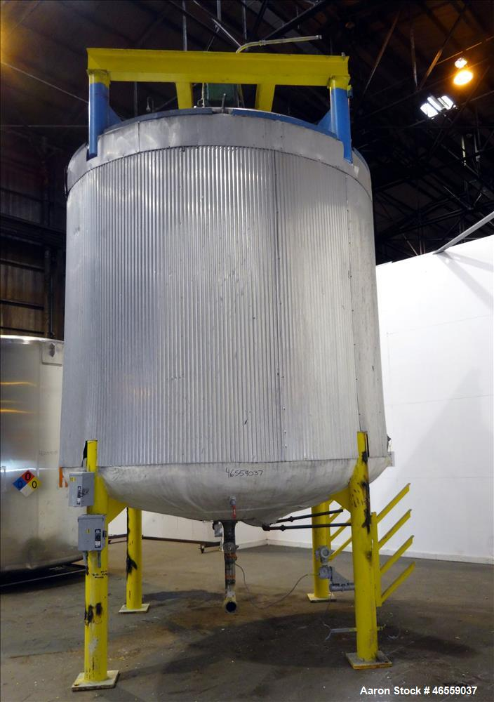 """Used- Zero Manufacturing Mixing Tank, Model ZS, 6,000 Gallon, 316 Stainless Steel, Vertical. Approximate 120"""" diameter x 112..."""