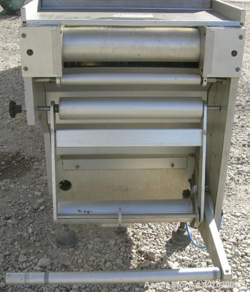 "Used- Multivac Horizontal Thermoform/Fill/Seal Machine, Model M860EPC. 11"" wide x 22"" long infeed belt. (4) aluminum trays a..."