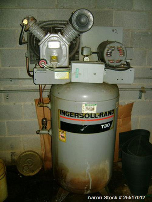 Used-Ingersoll Rand Air Compressor, Model 2475N75, 7.5 hp, 80 Gallon Tank, 200 PSI, s/n 900384, Located in Colombia Maryland
