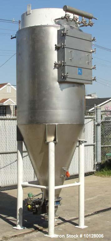 Used-Walker Stainless Equipment Co Model R-HT-10 Round Pulse Jet Dust Collector.  This dust collector has an estimated bag s...