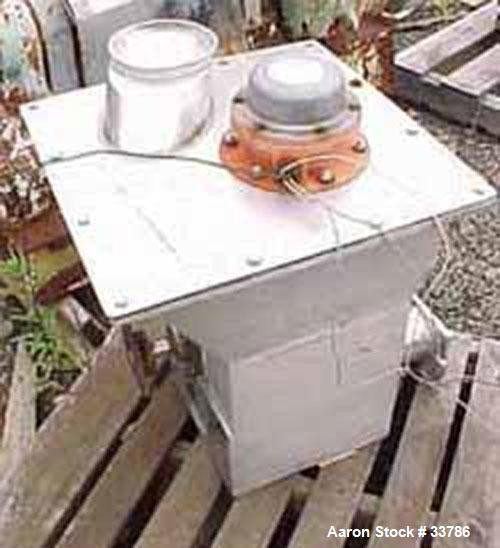 """Used- Screw Feeder, 304 Stainless Steel, 18"""" x 24"""" x 18"""" deep. Has delumper bar. Has additional product bin 20"""" x 20"""" x 18"""" ..."""