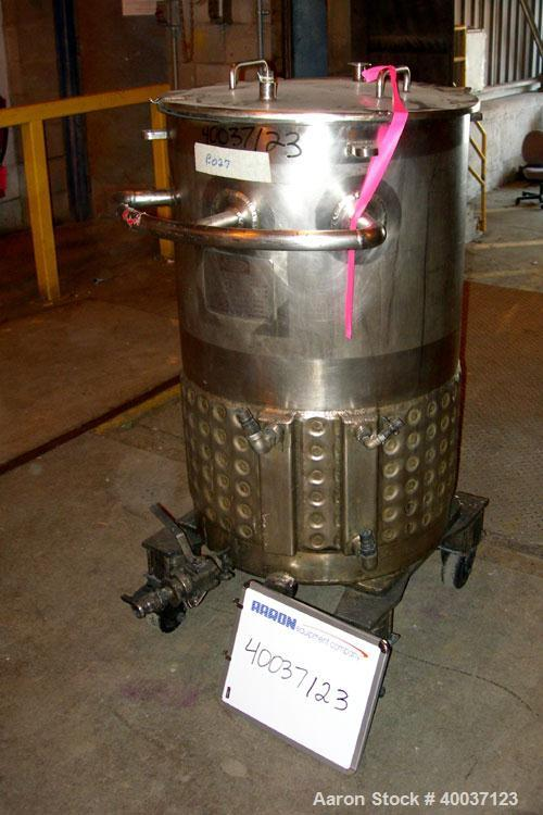 "Used-Used: Walker Kettle, 55 gallon, 304L stainless steel, vertical. 23"" diameter x 36"" straight side, open top with a cover..."