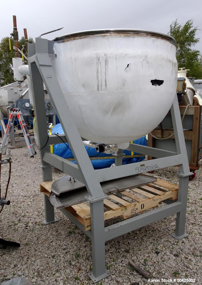 Used-Lee Metal Products Kettle, 200 Gallon, Stainless steel. Jacket rated 40 psi @ 288 deg F.  S/n 569T, Yr. 1969.