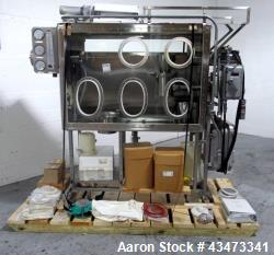 Quadro Comil, Model U10, Stainless steel. Unit is mounted in isolator. Quadro includes a beater and...