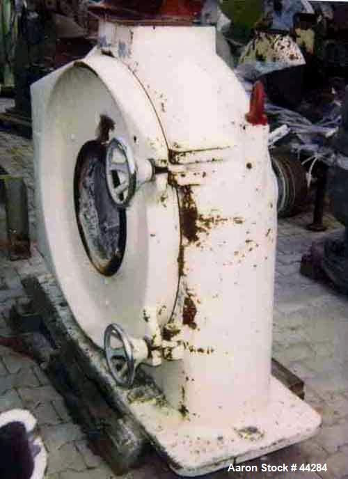 "Used- Alpine ""Ultraplex"" Cross Flow Mill, Type B1000UP"