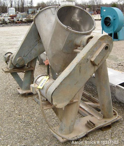 Used-5 Cubic Foot Patterson Kelley V-Cone Blender, complete with intensifier bar. Max density is 65 lbs per cubic foot and w...