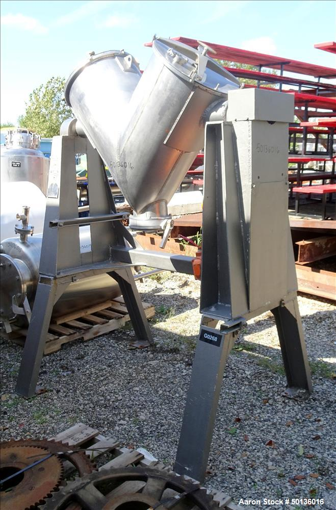 Used- Patterson Kelley Twin Shell Dry Blender, 5 Cubic Foot Capacity