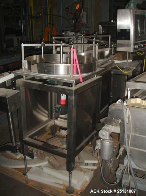Used- Stainless Steel Accumulating Table, 24' diameter