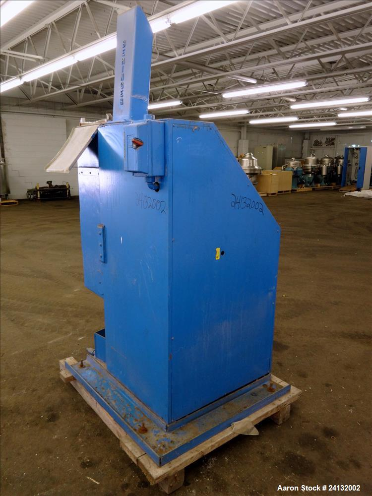 "Used- Beringer 12"" Wide Air Wipe, Type WS-75. Includes New York blower model M16P5. Driven by a 5hp, 3/60/208-230/460 volt, ..."