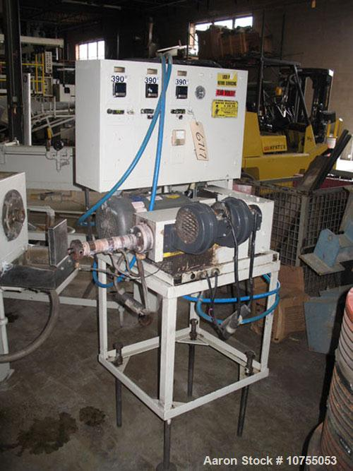 "Used-Wayne Mfg & Die 3/4"" Extruder. 24:1 L/D, 1.5 hp, 1750 rpm DC motor, air cooled barrel, 3 electrically heated zones, Omr..."