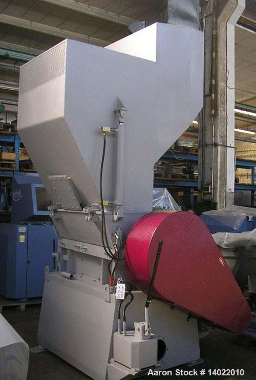 Used-Mazza Granulator Model 1000 MAX.  Feed opening 500 x 1000 mm.  Rotor width 1000 mm.  Rotor diameter 500 mm.  Stator kni...
