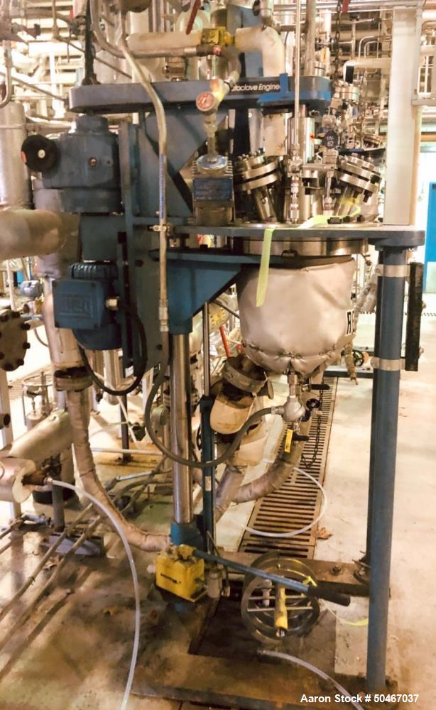 Used- 5 gallon Autoclave Engineers high pressure reactor