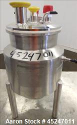 https://www.aaronequipment.com/Images/ItemImages/Reactors/Stainless-Steel-0-499-Gallon/medium/DCI_45247011_aa.jpg