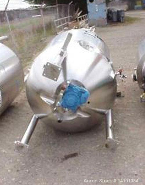 Used-B Braun approximate 350 gallon (1250 liter) working volume, 304L stainless steel fermenter. Internal rated 50 psi @ 350...