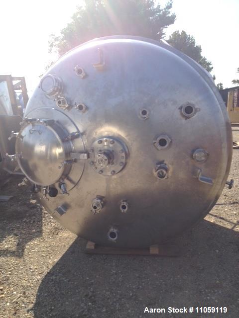 Used- Mueller 1600 Gallon (6000 Liter), Model F Sanitary Reactor. 316L stainless steel. Rated 50 PSI/full vacuum at 350 deg....