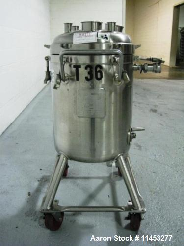Used- 20 Gallon Stainless Steel Reactor. Manufactured by Walker in 1995. Reactor has a removable top dished head and dish bo...