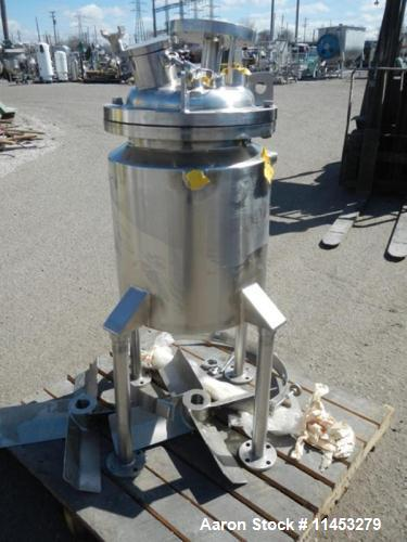 "Used- Walker Reactor, 13 Gallon, 316 Stainless Steel. 14"" diameter x 18"" on the straight side, removable dish top, dished bo..."