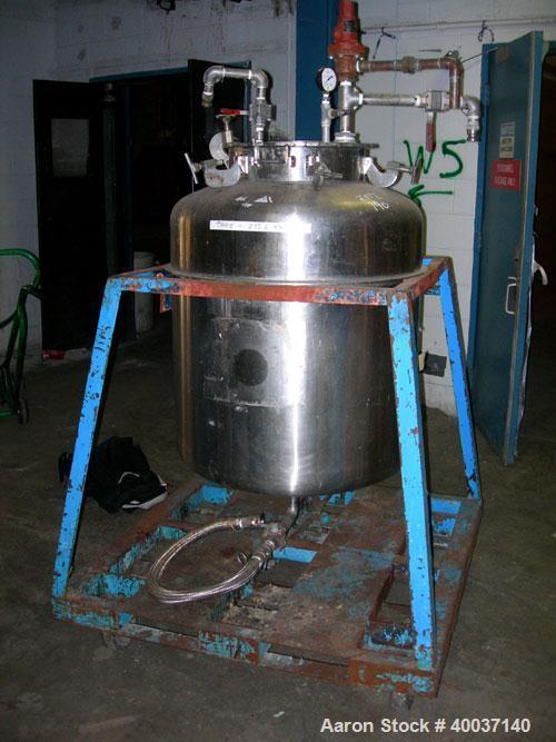 """Used-Used: Javo N.V. Alkmaar pressure tank, 100 gallon, stainless steel, vertical. 30"""" diameter x 30"""" straight side, dished ..."""