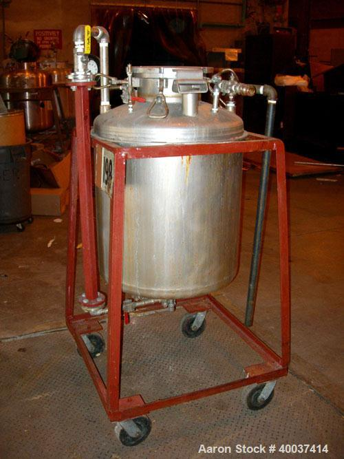"""Used- O.G. Kelley Co. Pressure Tank, 55 gallon, stainless steel, vertical. 24"""" diameter x 27"""" straight side, dished top and ..."""