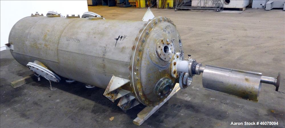 "Used- Agitated Tank, 425 Gallon, 304 Stainless Steel, Vertical. Approximate 36"" diameter x 96"" straight side. Dished top and..."