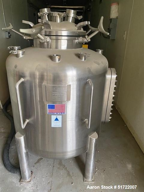 Used Precision Stainless Pressure Vessel / Tank. 100 gallon / 400 liter capacity