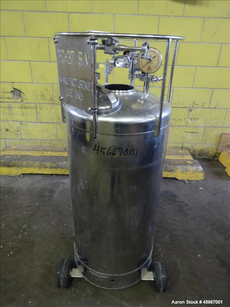 Used- Alloy Products Pressure Tank, 30 Gallons