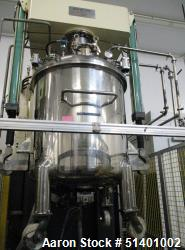 Used-Buffer Tank / Mixer. Approximately 300 Gallon/ 1100 Liter.  Stainless Steel. Hydraulic Lift.