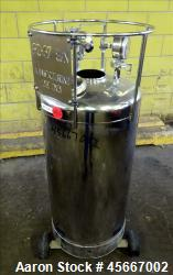 "Alloy Products Pressure Tank, 30 Gallons, 316L Stainless Steel, Vertical. 17-1/2"" diameter x 29"" st..."