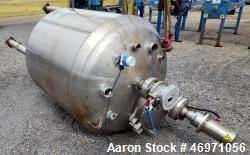 "Used- Waukesha Cherry-Burrell Pressure Tank, 264 Gallon, 316L Stainless Steel, Vertical. 42"" Diameter x 42"" straight side, d..."