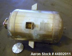 https://www.aaronequipment.com/Images/ItemImages/Tanks/Stainless-0-499-Gal/medium/Meyer_44802011_a.jpg