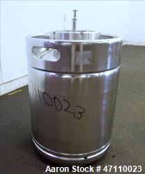 https://www.aaronequipment.com/Images/ItemImages/Tanks/Stainless-0-499-Gal/medium/Rutten-Engineering_47110023_aa.jpg