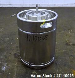 https://www.aaronequipment.com/Images/ItemImages/Tanks/Stainless-0-499-Gal/medium/Rutten-Engineering_47110025_aa.jpg