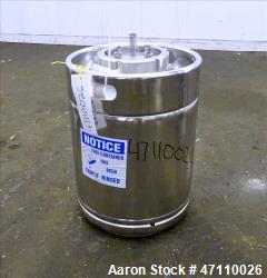 https://www.aaronequipment.com/Images/ItemImages/Tanks/Stainless-0-499-Gal/medium/Rutten-Engineering_47110026_aa.jpg