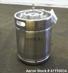 https://www.aaronequipment.com/Images/ItemImages/Tanks/Stainless-0-499-Gal/medium/Rutten-Engineering_47110034_aa.jpg