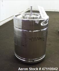https://www.aaronequipment.com/Images/ItemImages/Tanks/Stainless-0-499-Gal/medium/Rutten-Engineering_47110042_aa.jpg
