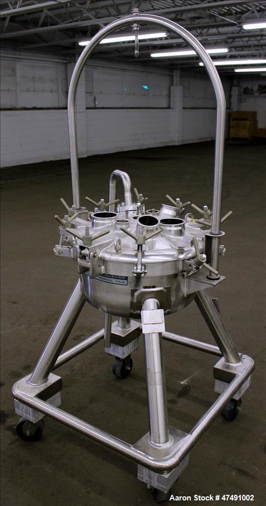 Used- Mueller Pressure Tank, Approximate 40 Liter (10.5 Gallon), 316L Stainless